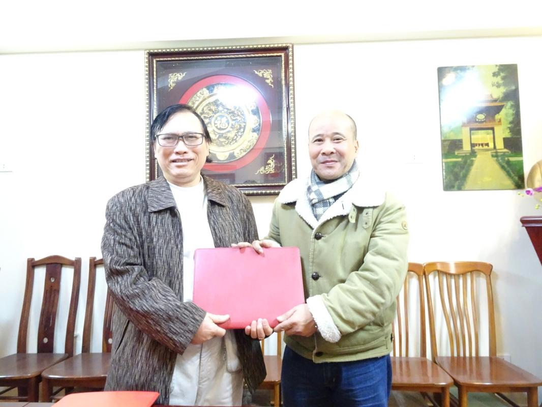Giám đốc Nguyễn Bá Diến và Viện trưởng Ngô Tự lập